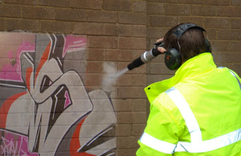graffiti-removal-amos-services